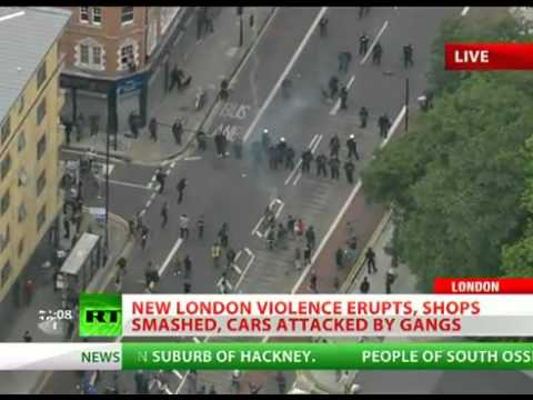 London Riots, Day 3  Violence spreads to Hackney