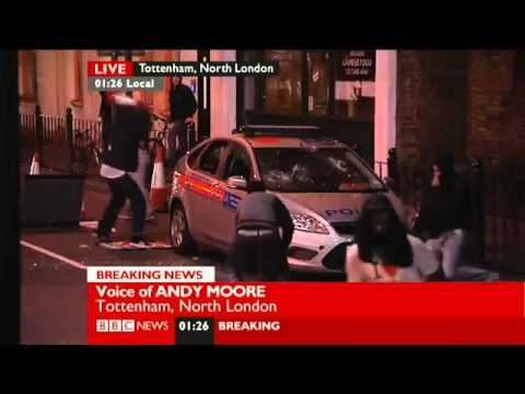 London Riots Niggers Smash up Police Car