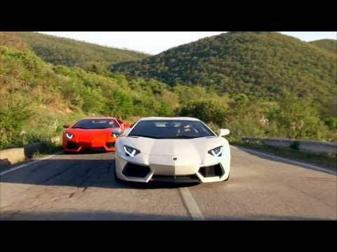 2012 Lamborghini Aventador LP700-4 in Action